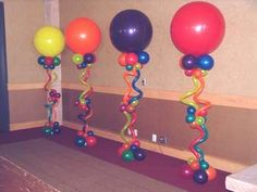 "36"" balloon topped column"