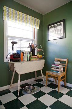 Garden Writer Willi Galloway's Resourceful, Reclaimed Rental Kitchen