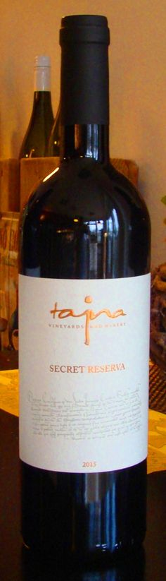 Secret Reserva z Víno Tajna už v predaji. Ochutnajte výnimočné víno zaradené v Salóne vín SR 2017. www.vinopredaj.sk  Mohutná a súčasne harmonická chuť je svojou intenzitou vyvážená k vôni. Na pozadí sladkých tanínov sú prítomné výrazné stopy malín, moruše ma čučoriedok. Cuvée s veľkým potenciálom zrenia vo fľaši.  #tajna #vinotajna #vinarstvo #winery #secretreserva #reserva #ochutnaj #taste #cabernetsauvignon #dunaj #cabernetfranc #merlot #dnespijem #dnespijeme #inmedio #vinoteka #eshop…