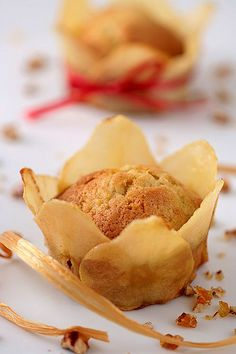 Pear And Pecan Tea Cakes With Pecan Praline