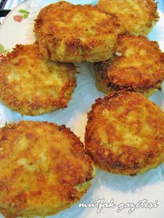 fish cake - Fish meatballs with tuna fish, very delicious meatballs in golden yellow color with a fishy flavor. Stir Fry Recipes, Sauce Recipes, Fish Recipes, Seafood Recipes, Mexican Food Recipes, Seafood Boil Party, Fish And Seafood, Fish Dishes, Seafood Dishes