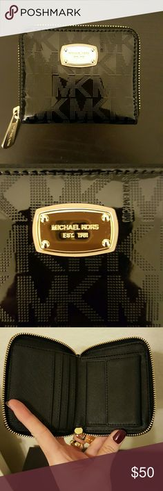 MK small wallet Like new used condition. Selling it because I need a bigger wallet. Michael Kors Bags Wallets