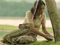 Esta mulher fala com uma árvore todos os dias. O motivo vai emocionar você! - Curtir Espetacular