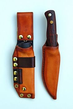 Dan Koster Bushcraft knives in Martin Swinkels sheaths.