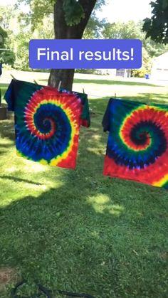 Fête Tie Dye, Tie Dye Party, How To Tie Dye, Tye Dye, Tie Dye Crafts, Fun Diy Crafts, Diy Arts And Crafts, Summer Crafts, Diy Tie Dye Designs