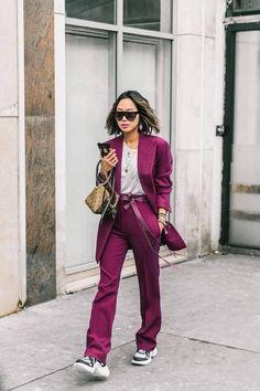 Street style fashion not only happens during fashion week but every single day Fashion Casual, Look Fashion, Paris Fashion, Fashion Outfits, Fashion Trends, Fall Fashion, Fashion Lookbook, Womens Fashion, Look Street Style