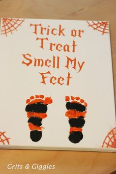 crafty days of halloween) trick or treat footprint art Very cute – maybe for a birth announcement? More from my site 20 Amazing Ponytail Hair Tutorials for Beginners Footprint Ghost Craft – Cute Halloween craft for kids to make! Premier Halloween, Casa Halloween, Baby First Halloween, Halloween Trick Or Treat, Holidays Halloween, Halloween Decorations, Halloween Halloween, Halloween Baby Photos, Halloween Costumes