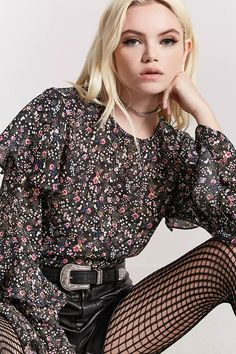 Product Name:Floral Print Bell-Sleeve Top, Category:top_blouses, Price:19.9
