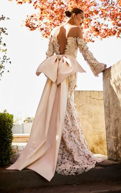 Get inspired and discover Johanna Ortiz Bridal trunkshow! Shop the latest Johanna Ortiz Bridal collection at Moda Operandi. Famous Wedding Dresses, Wedding Dresses 2018, Wedding Dress Shopping, Bridesmaid Dresses, Dress Wedding, Wedding Dresses With Bows, Lace Wedding, Casual Wedding, Elegant Wedding