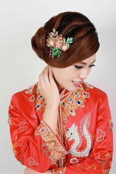 Handmade Chinese  bridal headpiece B&H wedding workshop