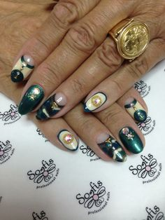 Nail art by Somfis