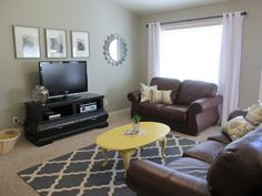 Melissa Rey Styles: Living Room Makeover...On a Budget!
