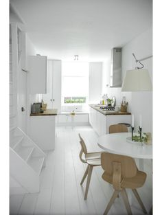 White kitchen via my scandinavian home Interior Exterior, Kitchen Interior, Interior Architecture, Minimal Architecture, Deco Design, Küchen Design, House Design, Design Ideas, Design Studio