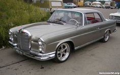 found in vintage mercedes benz PICS! Mercedes Benz Forum, Mercedes Benz Coupe, Mercedes 280, Benz Suv, M Benz, Automobile, Rear Speakers, Classic Mercedes, Modified Cars
