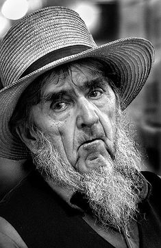 276774335_9a586fc3ec_z.jpg (326×500). Not many pictures of the Amish !
