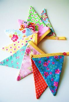Mini bunting flags.  by silly old suitcase via Flickr.