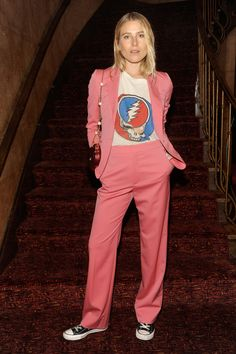 Georgia May Jagger proves the coloured suit is making a comeback - Gucci Suit - Ideas of Gucci Suit - Dree Hemingway wearing a Gucci suit Grateful Dead tee and Converse Dree Hemingway, Office Looks, Celebrity Dresses, Celebrity Style, Celebrity Photos, Look Fashion, Girl Fashion, Look Rose, Gucci Suit