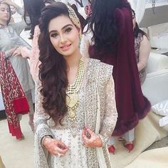 Beautiful #Repost @deeyajewellery ・・・ I just love Noor Jahans jewellery looks. She wore this longer piece on her extravagant wedding day with a big chunky shorter necklace but so good that she is able to easily wear again as formal at a friends wedding with just the Rani haar and the jhumar for a beautiful statement look. The other pieces can be worn separately in a different look. Definitely a look to go for this wedding season. #jewelryblogger #jewelleryblogger #styleicon…