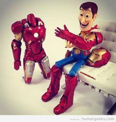 Woody de Toy Story vestido de Ironman