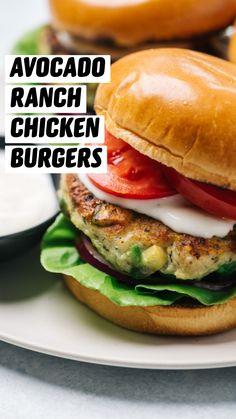 Grilled Chicken Burgers, Ground Chicken Burgers, Ground Chicken Recipes, Chicken Sandwich Recipes, Chicken Burger Patty Recipe, Buffalo Chicken Burgers, Diet Recipes, Cooking Recipes, Healthy Recipes