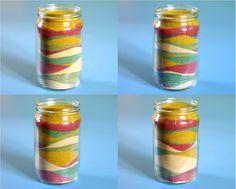 KOLOROWY PIASEK. Zobaczcie w jak prosty sposób można uzyskać kolorowy piasek do zabawy lub jako ozdoba wnętrza w szklanym naczyniu. Mason Jars, Water Bottle, Play, Drinks, Drinking, Beverages, Mason Jar, Water Bottles, Drink