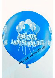 Ici en bleu, un magnifique ballon géant ( environ 90cm) qui égayera votre salle, vous pouvez le remplir de confettis et le faire exploser en fin de soirée ou jouer a vous le faire passer sans qu'il  touche le sol. #anniversaire #ballon #bleu #jeu #decodesalle