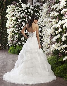 I LOVE the back!! Sincerity Modell 3721