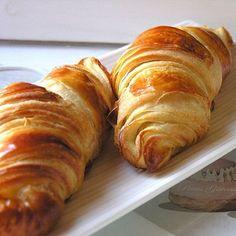 Croissants au beurre : Café : les recettes font trempette - Journal des Femmes