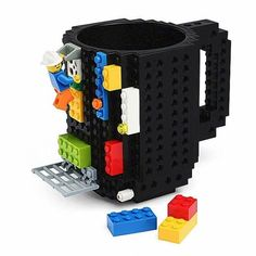 Lego Mug is one of products with most, different, designed as production. Lego Mug has a fun design, alongside its different design. Just like everyone's favorite LEGO's favorites coffee will be the most differently experience. This coffee cup models Lego Mug, Mug Diy, To Go Becher, Creative Coffee, Creative Gifts, Unique Gifts, Lego Building Blocks, Mason Jars, Gadgets And Gizmos