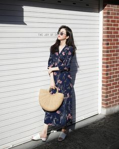 Bestie - Nhung chiec vay hoa duyen dang lam cho mua Xuan - He them ruc ro Fashion Moda, Look Fashion, Daily Fashion, Spring Fashion, Girl Fashion, Fashion Outfits, Womens Fashion, Fashion Trends, Korean Dress