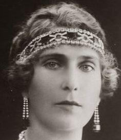 Tiara Mania: Emerald Bandeau worn by Queen Victoria Eugenie of Spain