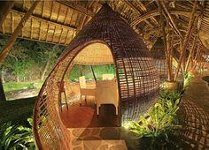 Wir haben die 12 besten Locations zum Schlafen, Essen, Entspannen und Feiern auf der Trauminsel Bali zusammengestellt. Hier der Überblick.