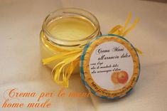 Crema per le mani homemade alla cera d'api Homemade Beauty Recipes, Homemade Gifts, Beauty Care, Diy Beauty, Best Body Cream, Green Tea Face, Homemade Cosmetics, Facial Cleansers, Diy Presents