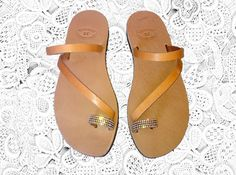 ♥♥♥ Diamond toe ring leather sandals ♥♥♥