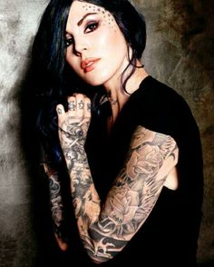 Kat Von D..... ♥ if I could have anything in the world, I want her stars tattoos!
