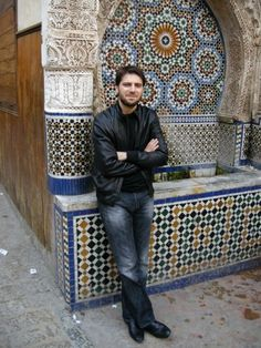 Sami Yusuf Maher Zain, Youtubers, Amazing People, Inspiration, Men's Fashion, Outfit, Famous Artists, Composers, Singers