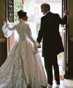 eithtenth centrury wedding dresses | modern fairytale 18th Century wedding dress ... | Cérémonie de ...