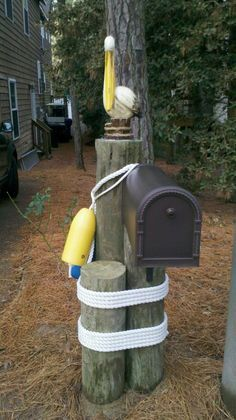 21 Awesome & Unique Coastal & Nautical Mailboxes & Mailbox Art – Home Design Arts Mailbox Makeover, Diy Mailbox, Mailbox Ideas, Mailbox Post, Mailbox Designs, Rural Mailbox, Vintage Mailbox, Lake Decor, Coastal Decor