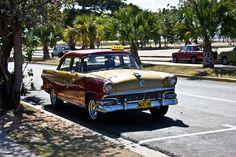 Taxi Cuba    Andres Rey - www.andresrey.com.ar