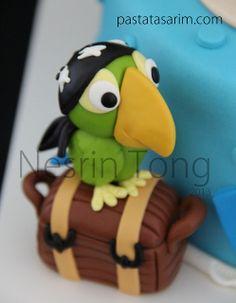 Ocean Birthday Cakes, Pirate Birthday Cake, Star Wars Birthday, Pirate Cakes, Polymer Clay Animals, Polymer Clay Crafts, Boat Cake, Fondant Animals, Superhero Cake
