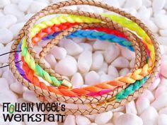 Armbänder - Leder- Satin- Armband, neon- natur - ein Designerstück von FrolleinVogel bei DaWanda