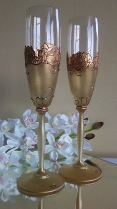 Set of 2 hand painted champagne flutes by PaintedGlassBiliana