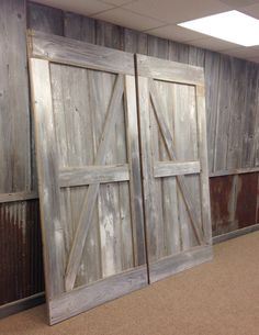 Sending out a pair of white-washed barn sliding doors! Check out our website and get your own pair to warm up your space today!