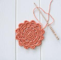 Free crochet coaster patterns - Flower Power
