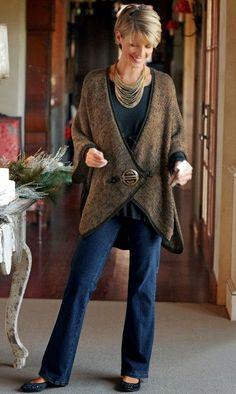 Winter Fashion for Women - Live 50 by Maria Celia and Virginia Pinheiro Winter Fashion for Women - Live 50 by Maria Celia and Virginia Pinheiro , Moda inverno para a mulher - Viva 50 por Maria Celia e Virginia Pinh. Over 50 Womens Fashion, Fashion Over 50, Look Fashion, Winter Fashion, Classy Fashion, Holiday Fashion, Ladies Fashion, Trendy Fashion, Vetement Hippie Chic