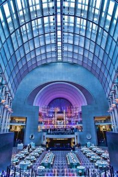 The Ronald Reagan Building and International Trade Center is the quintessential DC #weddingvenue. From the Pavilion Room and Atrium to Rotunda and Woodrow Wilson Plaza, you won't be disappointed by the breathtaking city backdrop. Fun fact: Their culinary team are experts in creating various multi-ethnic cuisines!