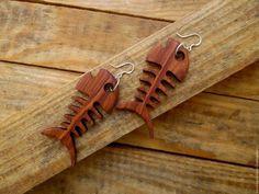Серьги ручной работы. Ярмарка Мастеров - ручная работа. Купить Деревянные серьги скелет рыбки. Handmade. Бордовый, рыбы