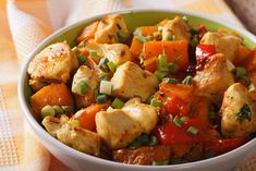 Welcome to my latest recipe in the slow cooker and today is all about some delicious turkey and vegetable hash.
