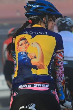 Femminista in bicicletta - Bike women Cycling Girls, Cycling Gear, Cycling Jerseys, Road Cycling, Cycling Outfit, Cycle Chic, Mtb, Cycling Motivation, Cycling Quotes