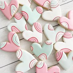 Fancy Cookies, Iced Cookies, Cupcake Cookies, Sugar Cookies, Frosted Cookies, Decorated Cookies, Sugar Cookie Royal Icing, Cookie Frosting, Valentines Day Cookies